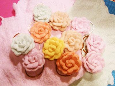 羊毛フェルト お花のヘアゴム.JPG
